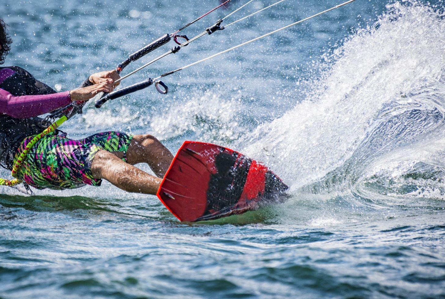 Pratique du kitesurf dans l'Aude