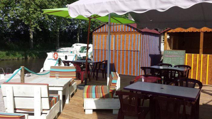 Restaurant l'île aux oiseaux à Bram ©ADT de l'Aude