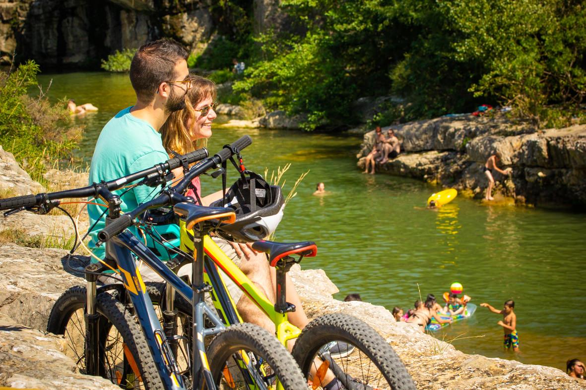 Rando vélo dans les Corbières ©Gilles Deschamps