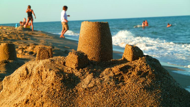 chateau sable plage