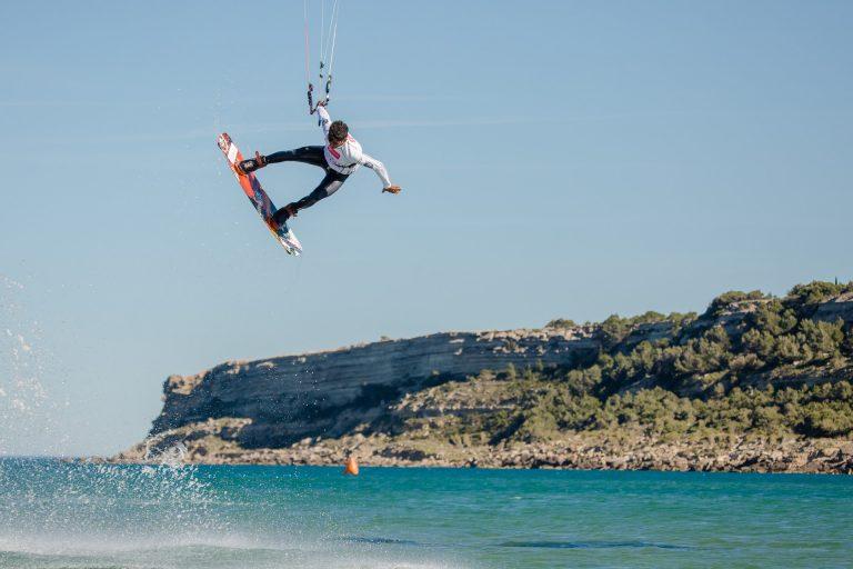 Kitesurfer à Leucate, la Franqui ©Office de Tourisme de Leucate