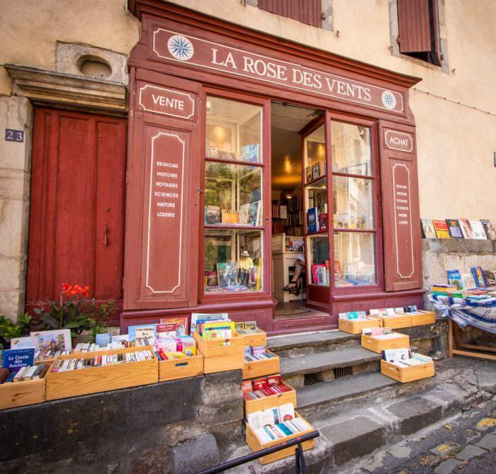 Librairie à Montolieu ©Céline Deschamps