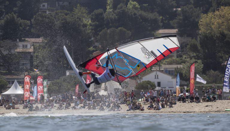 Mondial du vent à Leucate, windsurf