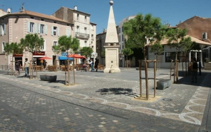 Place du forum à Narbonne