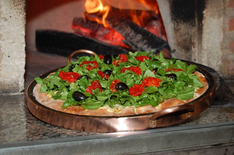 Pizza au feu de bois © Marcio Zapparoli