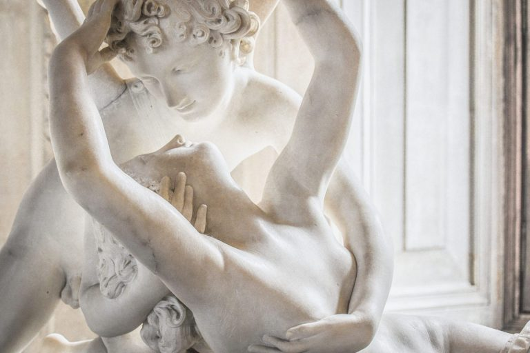 Statue, Musée 2018-08-musee © canforaalessio, Pixabay