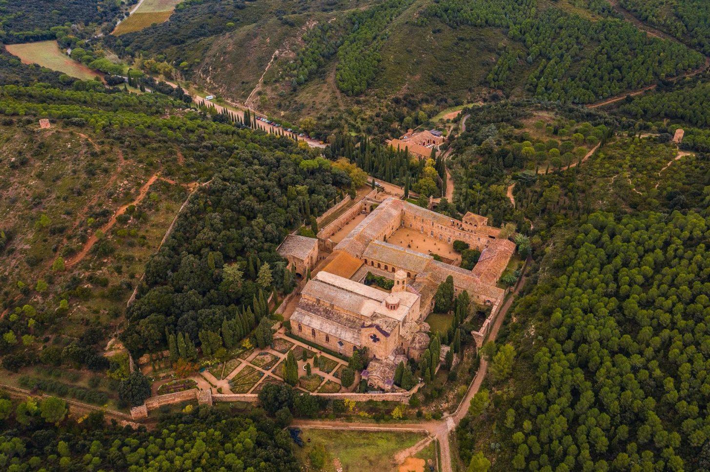 Abbaye de Fontfroide, le massif, crédit Vincent Photographie
