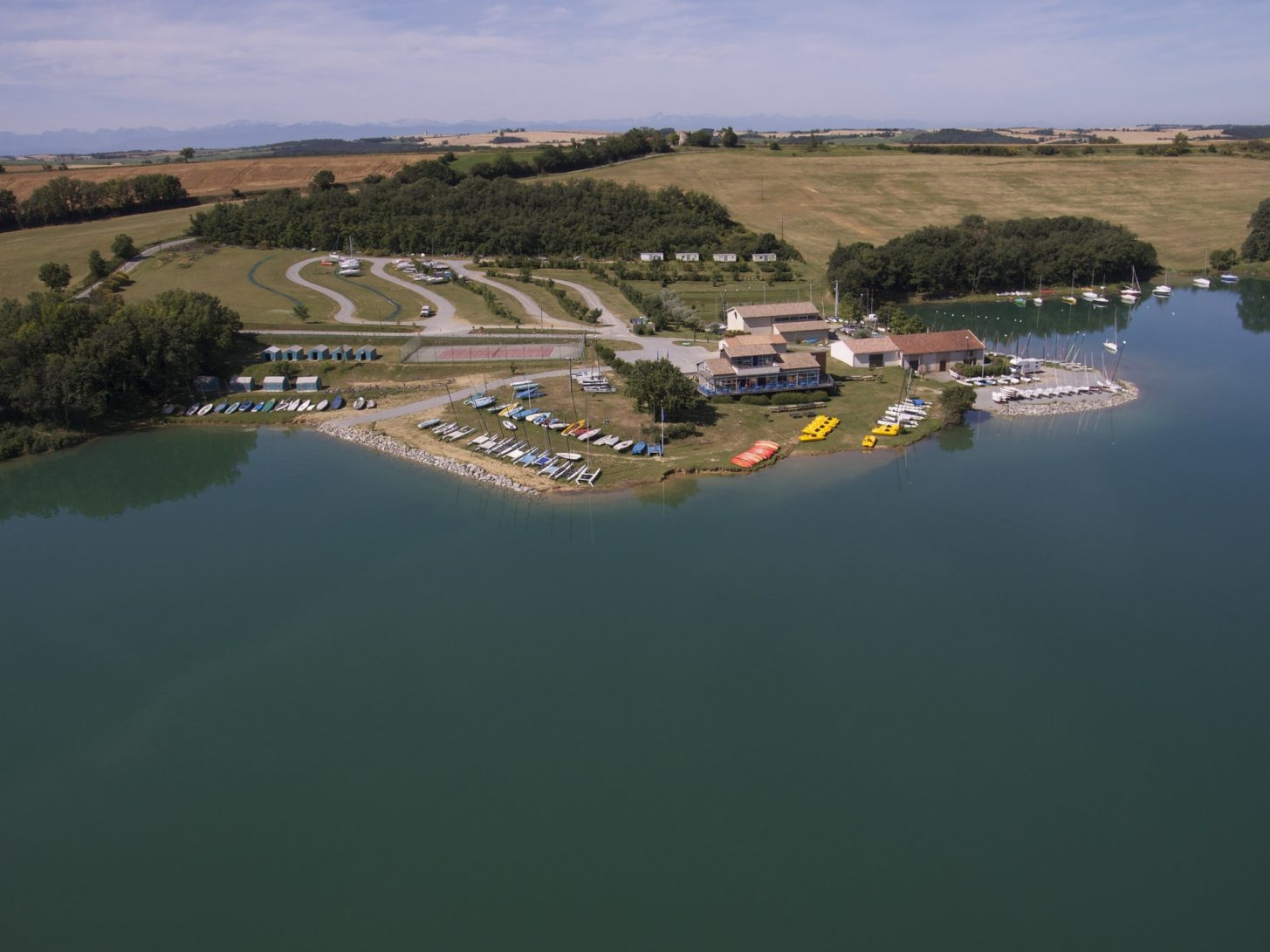 Le lac de la Ganguise, activité nautique ©Club de voile de Castelnaudary