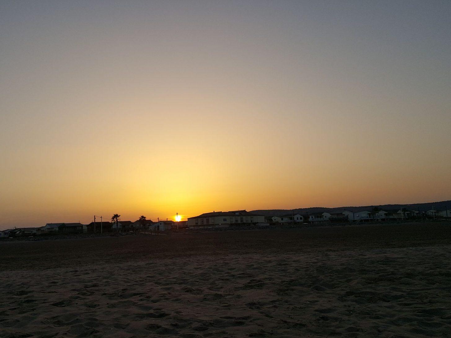 Coucher de soleil à la plage des Chalets, Gruissan©S. Alibeu, ADT Aude