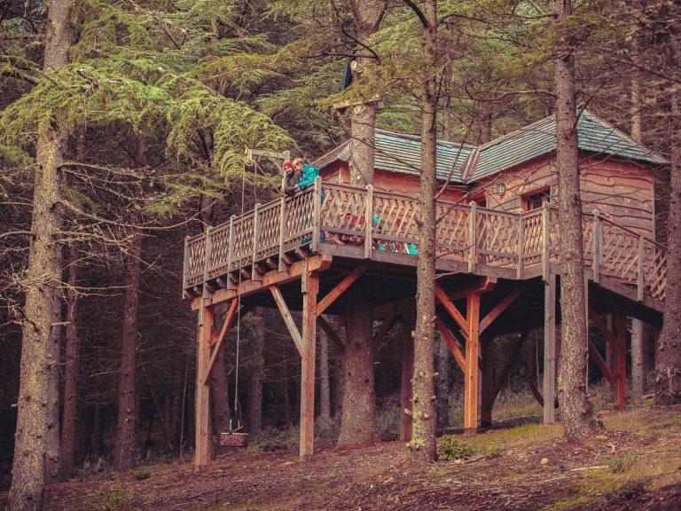 Cabane perchée, hébergement insolite en Montagne Noire en pleine nature ©Vincent Photographie, ADT de l'Aude
