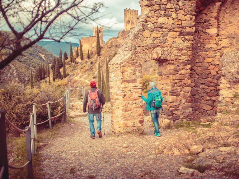 Visite des châteaux de Lastours au détour d'une randonnée ©Vincent Photographie, ADT de l'Aude