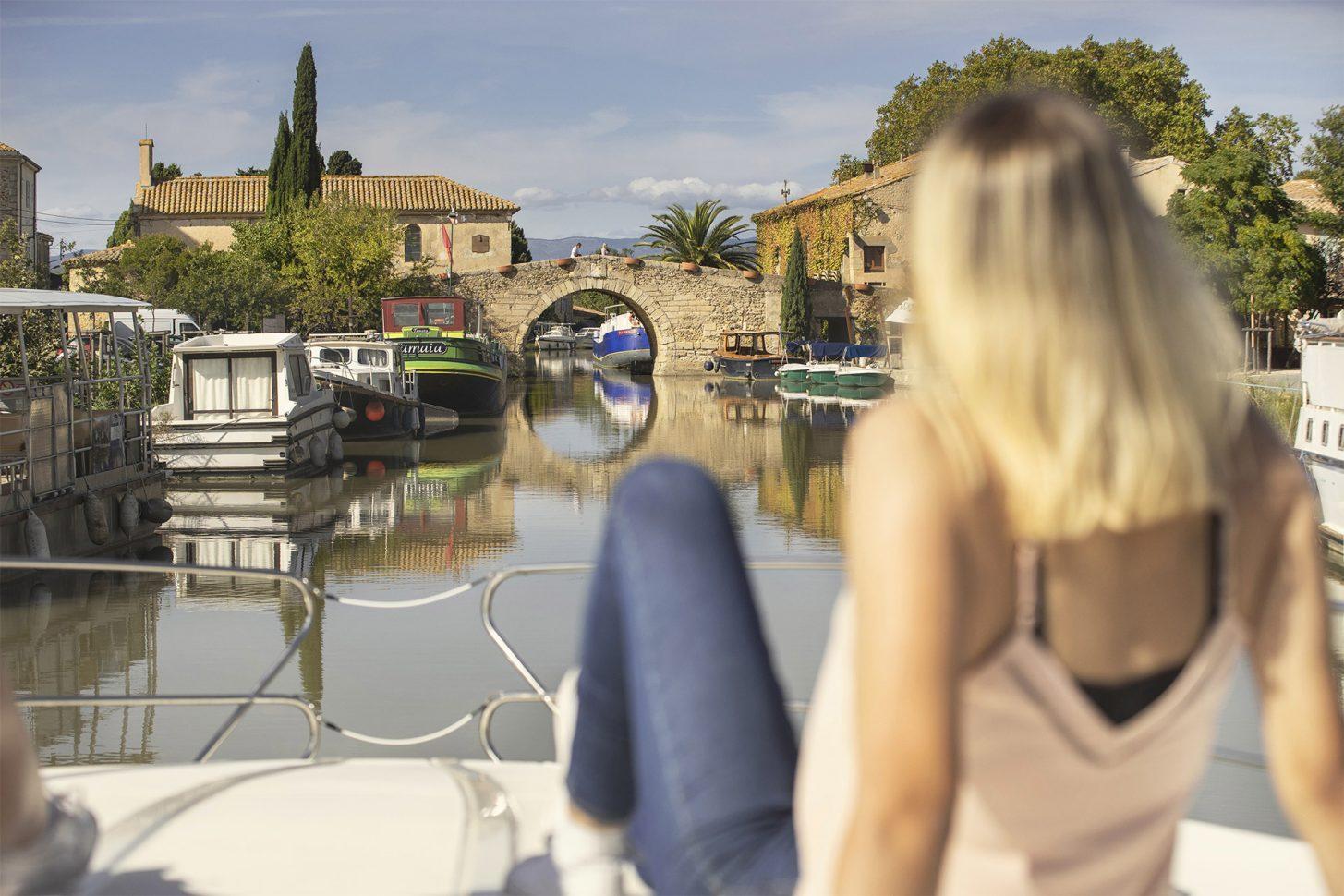 Balade en bateau sur le Canal du Midi au Somail ©Idriss Bigou-Gilles - ADT de l'Aude