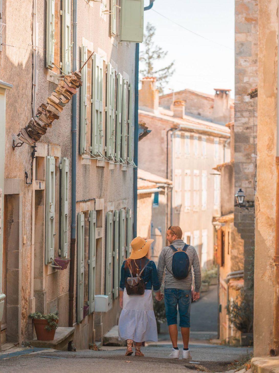 Balade dans les ruelles de Montolieu, village du livre © Vincent Photographie, OT Grand Carcassonne