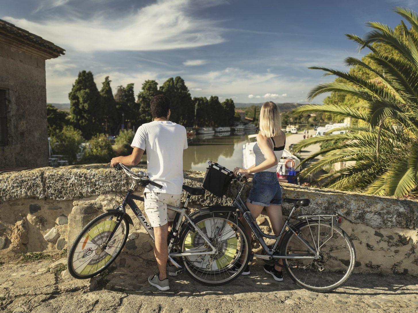 Découverte à vélo du Somail sur le canal du Midi ©Idriss Bigou Gilles, ADT de l'Aude