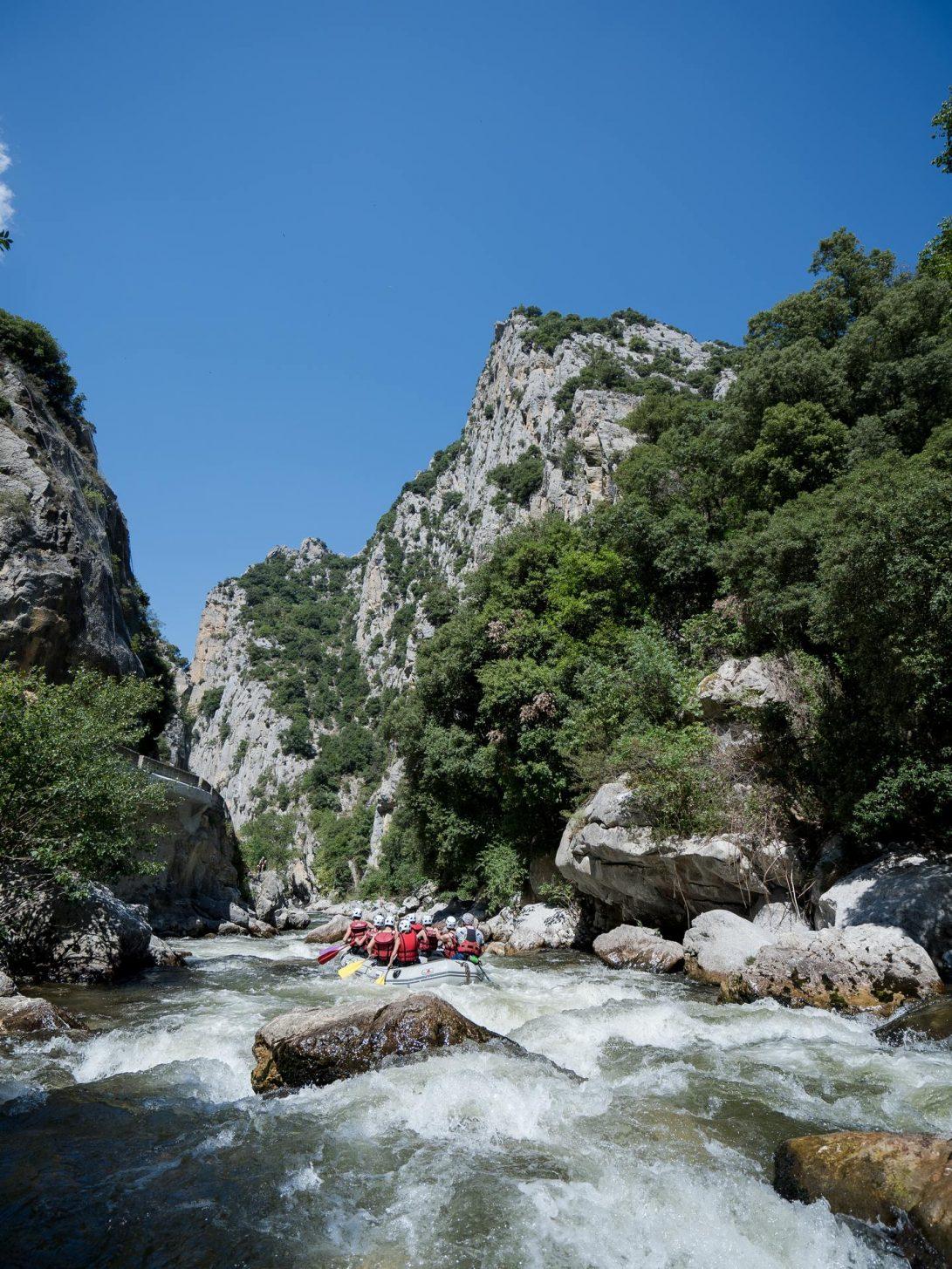 Rafting dans les gorges de la Haute vallée de l'Aude © Raphael Kann, ADT de l'Aude