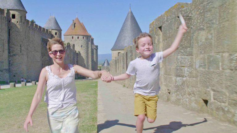 Visiter la Cité de Carcassonne avec des enfants ©Ailium production - ADT de l'Aude