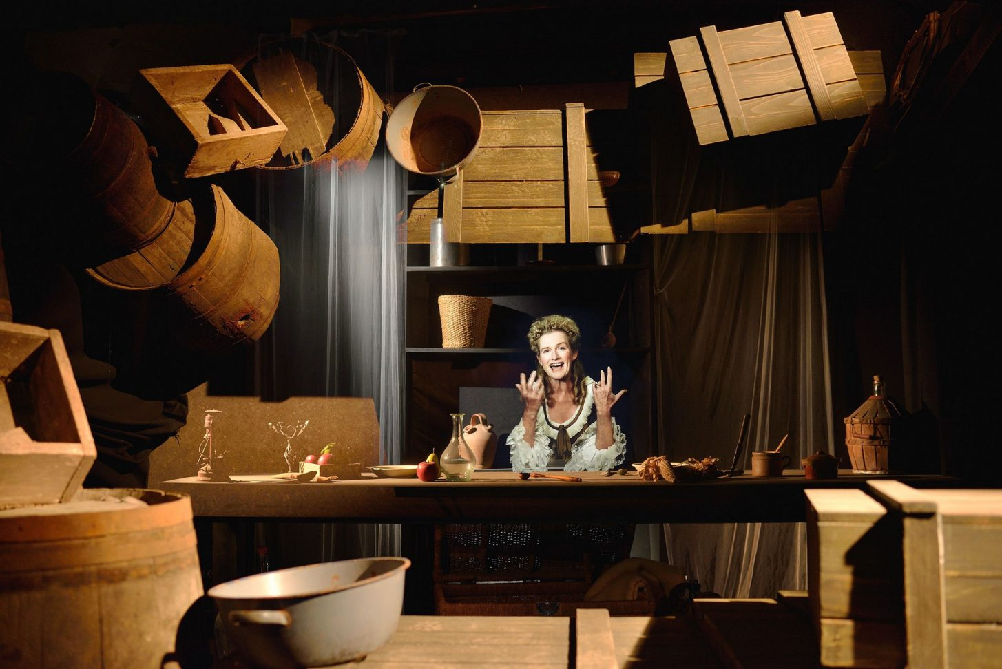 Hologramme de Miss Cradock au Somail© E. Perrin, OT Grand Narbonne Tourisme