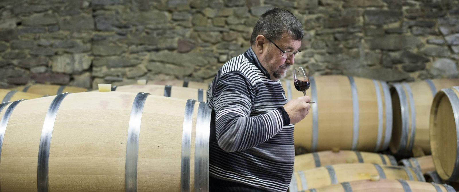 Dégustation de vin au Domaine Bertrou parazols ©Ludovic Charles-ADT de l'Aude