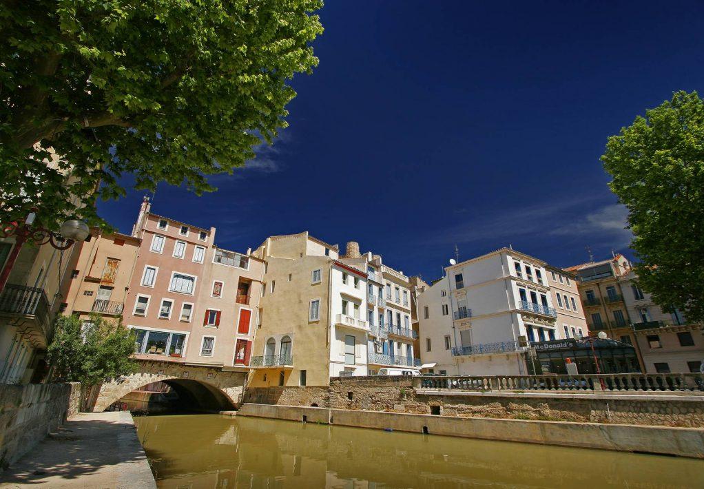 Au bord du pont des marchands à narbonne ©Céline Deschamps-ADT de l'Aude