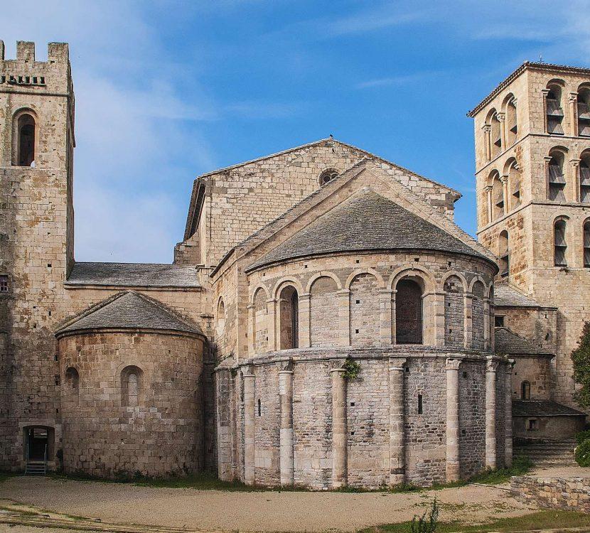 En visite à l'Abbaye de Caunes-Minervois ©E.Depuy-ADT de l'Aude