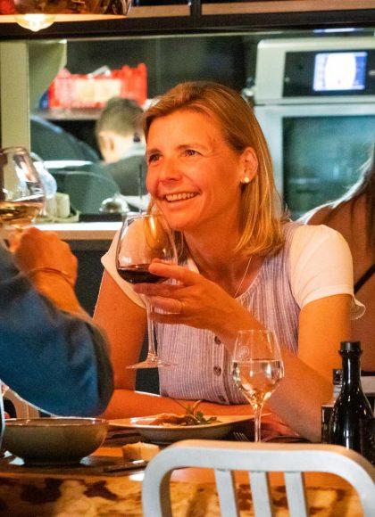 Dégustation de vin en couple à Narbonne ©Céline Deschamps-ADT de l'Aude