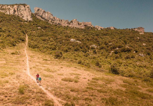 Randonnée sur le Sentier Cathare au Château de Peyrepertuse ©Vincent Photographie-ADT de l'Aude