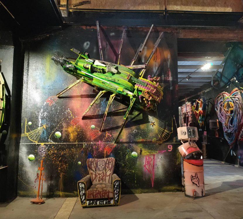 L'exposition de l'artiste Spi-K-Tri à Ferrals les Corbières © PTCM