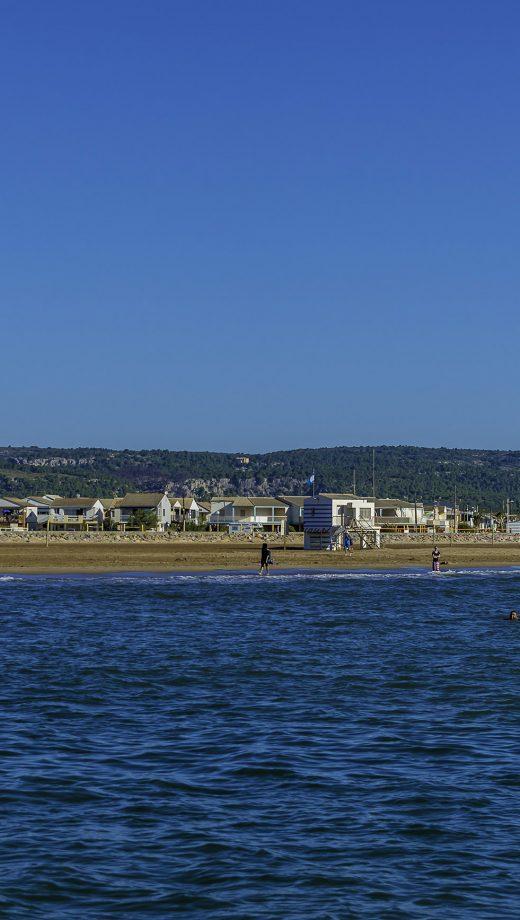 gruissan-2015-06-plage-chalet-paysage-cr-uvpo-ot-gruissan