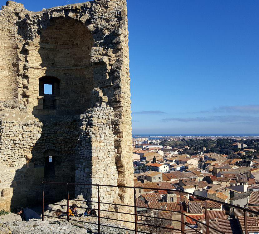 Gruissan, vue du village et tour barberousse