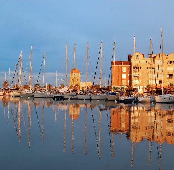 La Capitainerie du port de Gruissan ©Office de tourisme de Gruissan