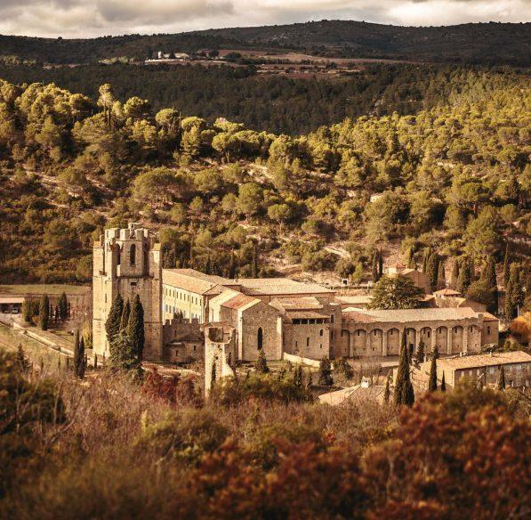 Découvrir l'Abbaye de Lagrasse©Vincent Photographie