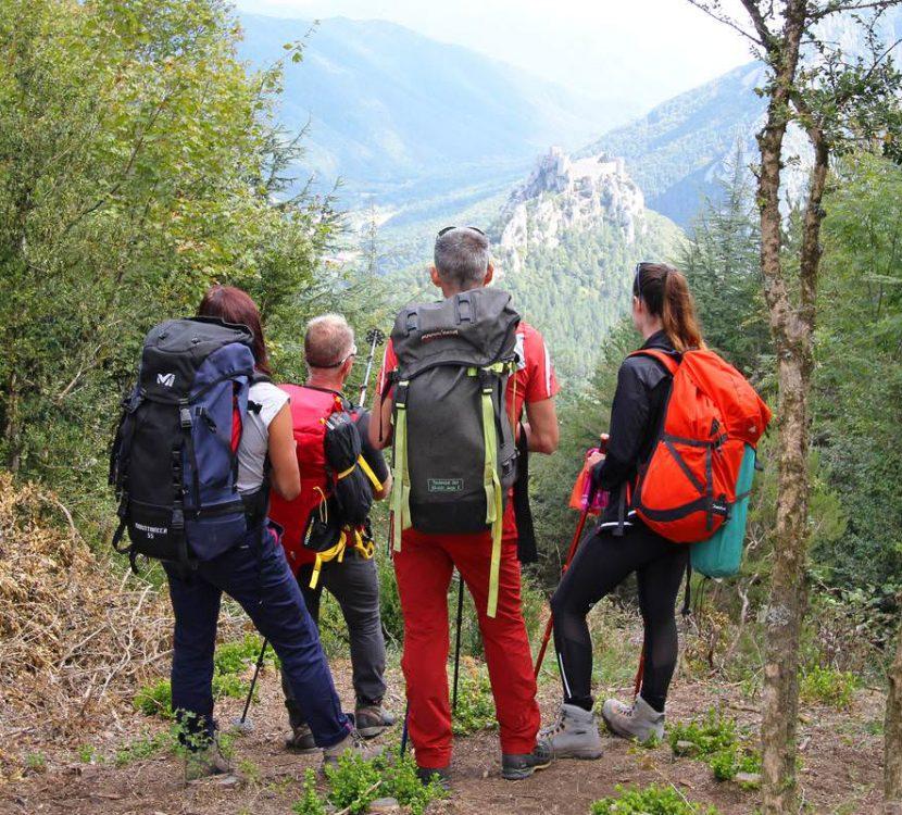 Randonnée sur le Sentier Cathare en direction du Château de Puilaurens ©Sylvain Dossin