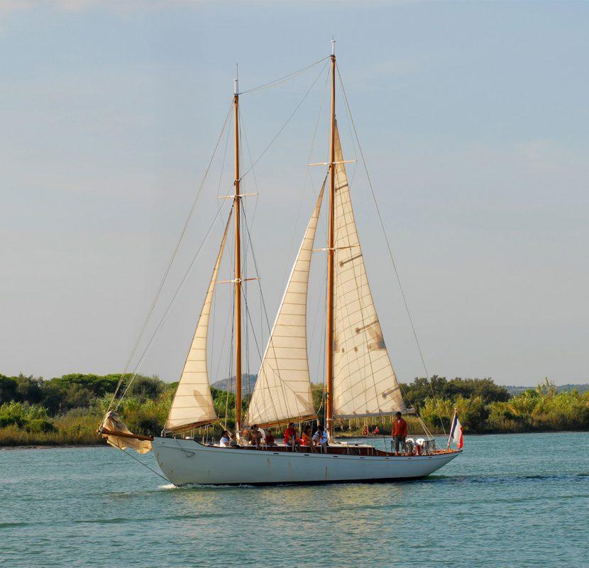 Balade en bateau à bord du Limnoreia en Mer Méditerranée © Jean Belondrade - Grand Narbonne Tourisme