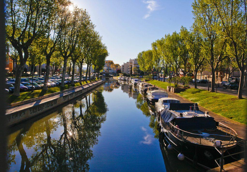 Narbonne, canal de la robine, bateaux