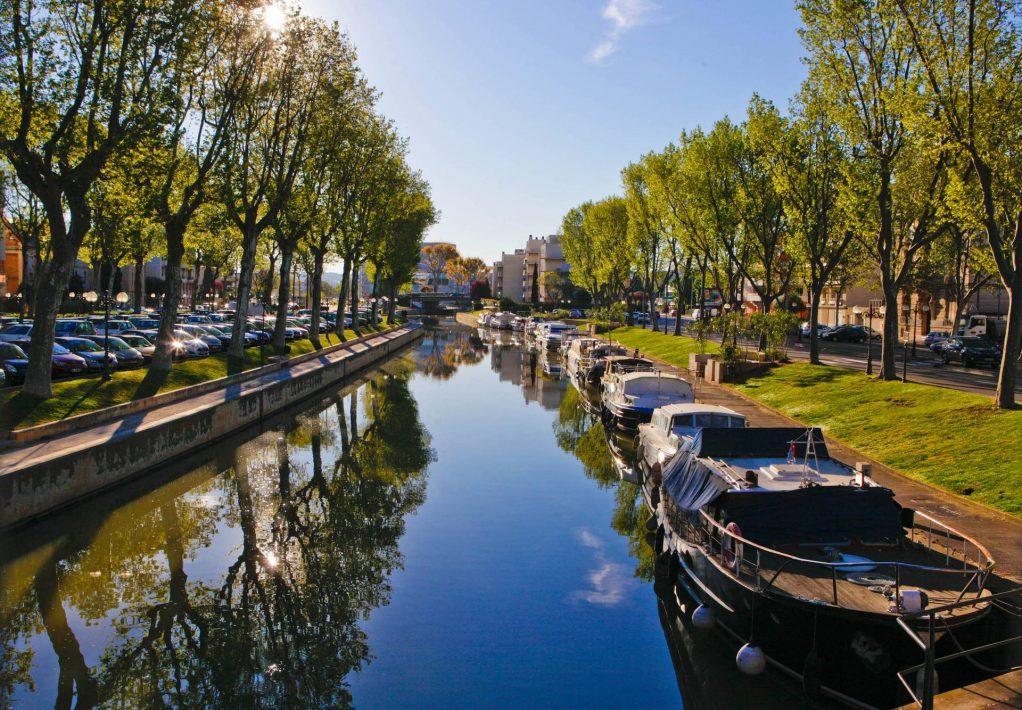 Sur les bords du Canal de la Robine à Narbonne ©Ville de Narbonne
